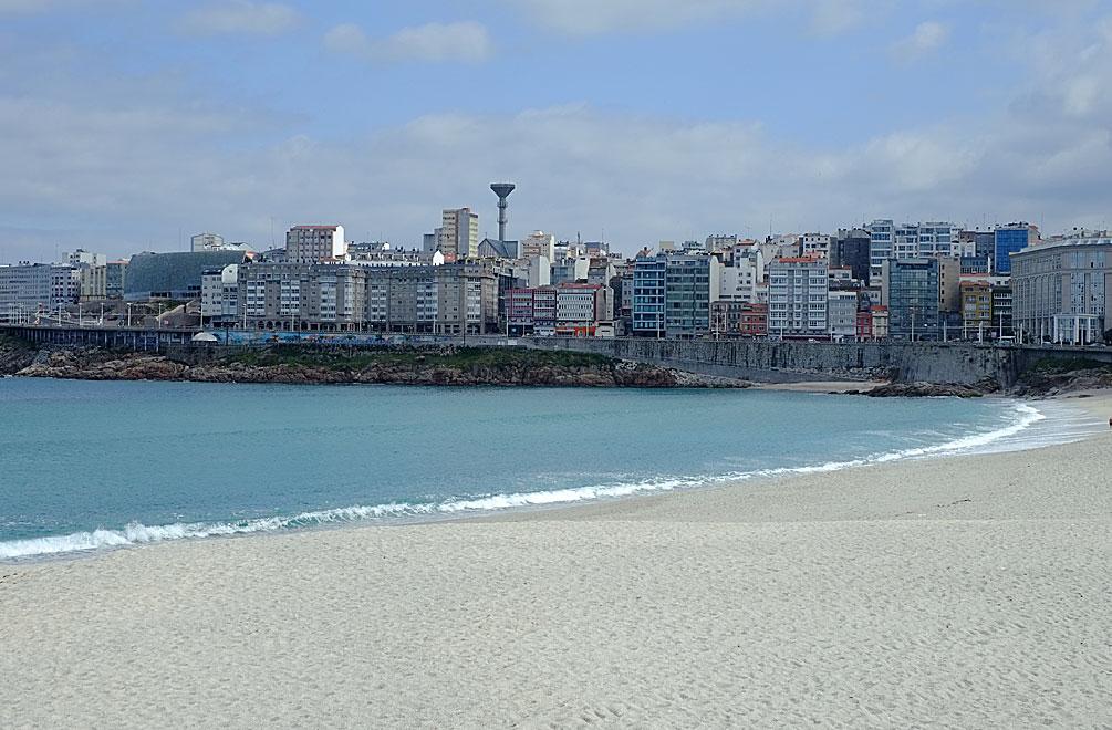 A Coruña bietet auch zwei wunderschöne Stadtstrände