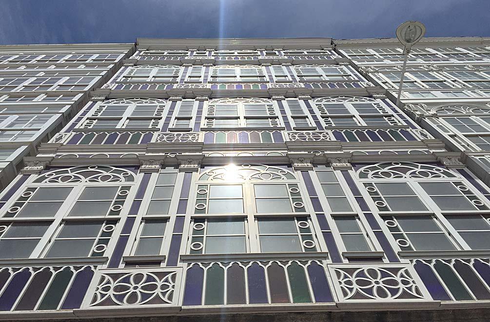 A Coruña und seinen Glasfassaden